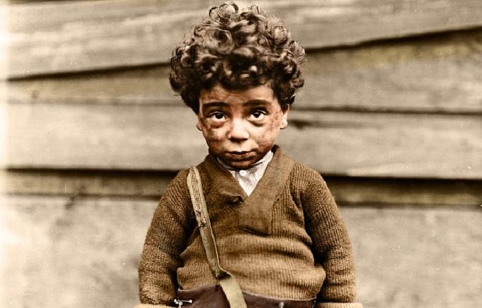 12-летний Химэн Альперт, продавец газет в Нью-Хэйвене, Коннектикут, март 1909 год.