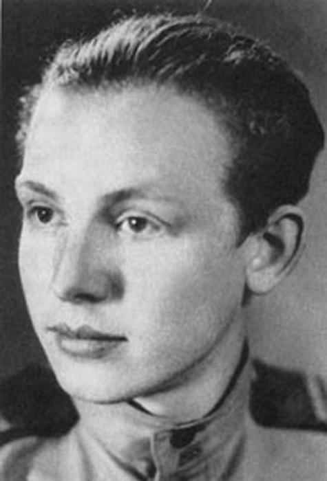 Советский и российский актёр театра и кино. Народный артист СССР.