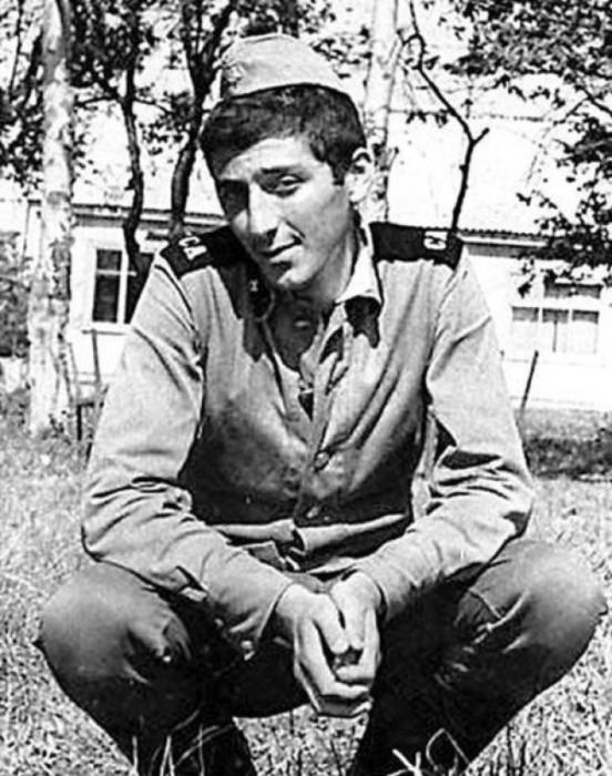 Российский певец грузинского происхождения, композитор, продюсер.