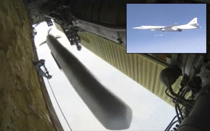 Ту-160 в небе над Сирией. Стоп-кадр из видеозаписи, предоставленной Министерством обороны Российской Федерации.