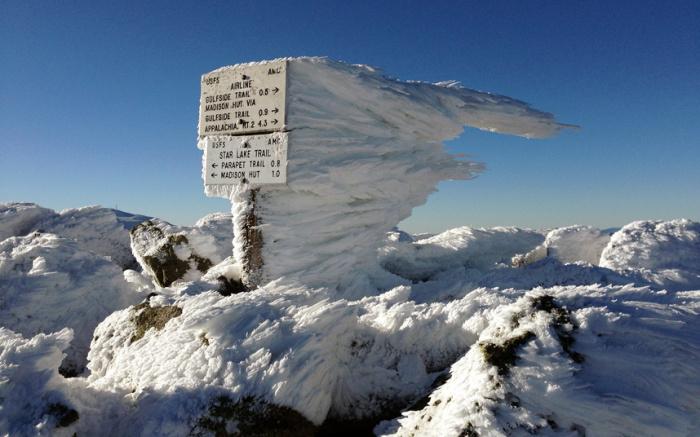 Изморозь на вершине вулкана Адамс (3742 метра) – самой высокой горы на территории Новой Англии, штат Нью-Гэмпшир, США.