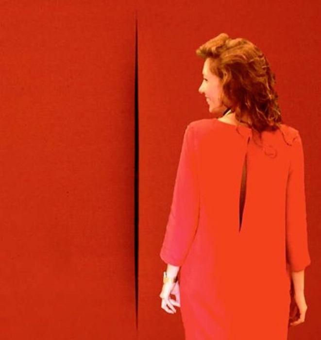 Нарезная картина «Пространственная концепция» от итальянского абстракциониста Лучо Фонтана (Lucio Fontana).