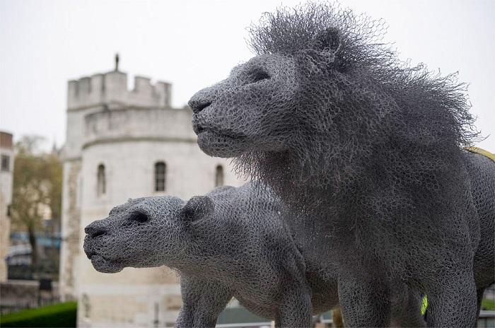 Скульптуры, которые как нельзя лучше описывают историю королевского зверинца.