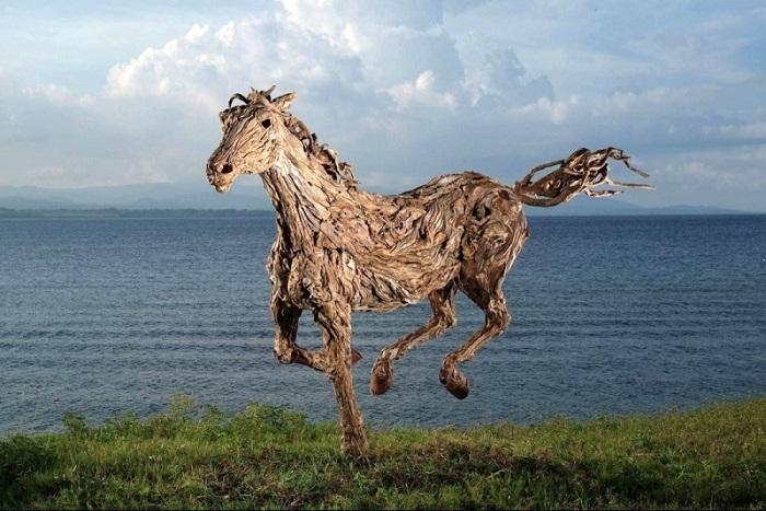 Работа британского скульптора Джеймса Доран-Уэбба, который создает невероятные работы.