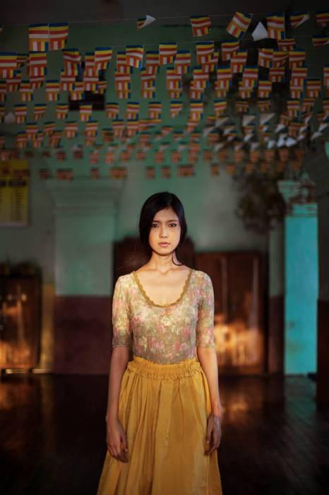 Янгон - это город, где половину населения составляют монахи, поэтому рекомендуется носить закрытую одежду.