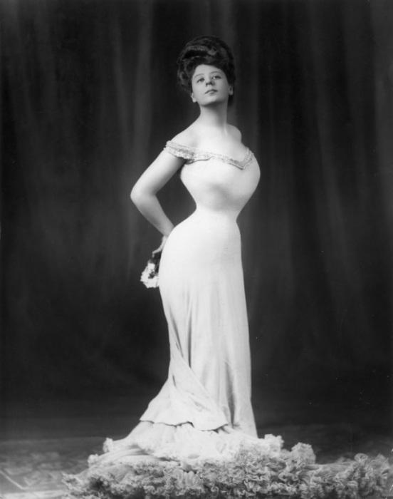 Идеал женской красоты, созданный американским иллюстратором Чарльзом Дана Гибсоном на рубеже XIX и XX столетий.