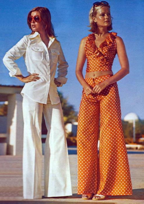 Чтобы влезать в такую одежду и хорошо в ней выглядеть, женщинам приходилось соблюдать строгую диету.