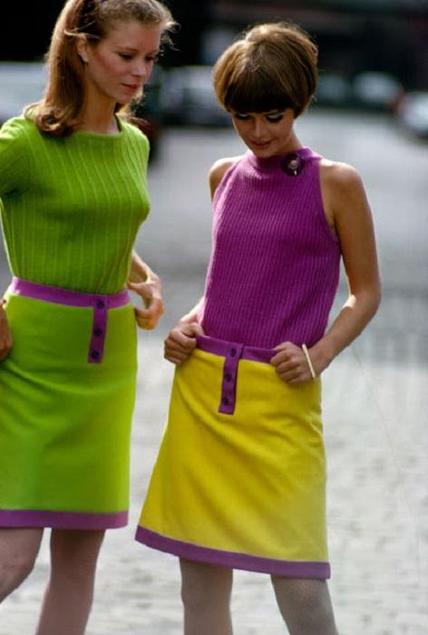 Мини-юбки произвели революцию в женской моде, но неоновые расцветки свели к минимуму их шик и привлекательность.