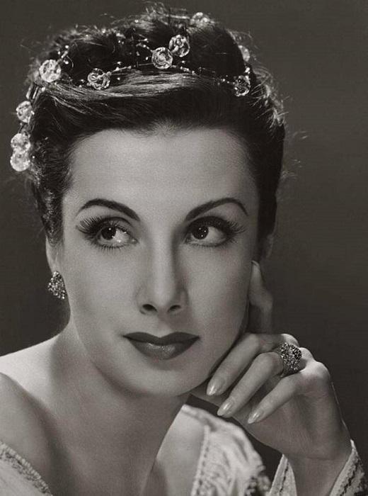 Прима-балерина, хореограф и актриса, с 1930-х годов, Тамара завоёвывает все ведущие балетные сцены Европы и Америки.
