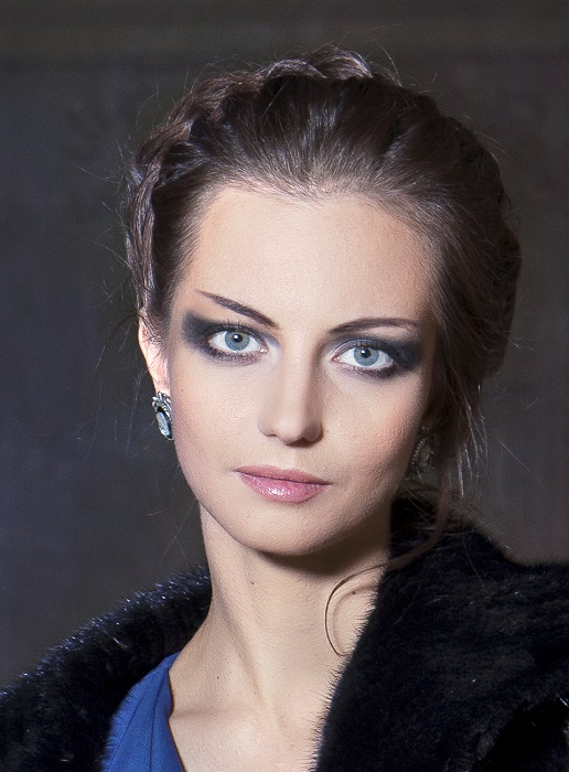 Российская артистка балета, прима-балерина Большого театра, заслуженная артистка России.