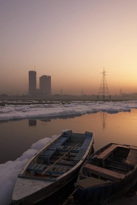 Река настолько загрязнена, что даже работы по очистке сточных вод не приносят никаких улучшений.
