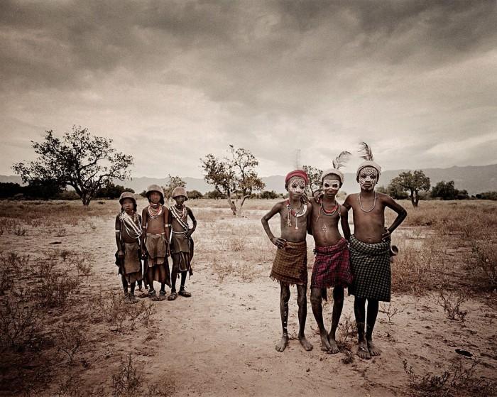 Эфиопское племя численностью около 4,5 тысяч человек.