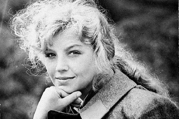 Советская и российская актриса театра и кино с большими и красивыми глазами.