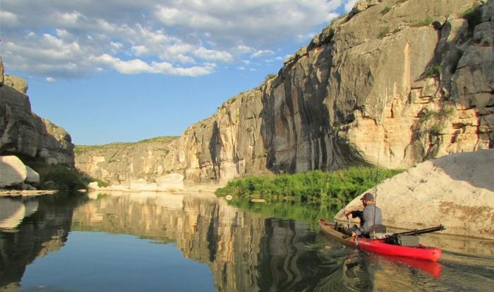 Река, протекающая по территории штатов Нью-Мексико и Техас.