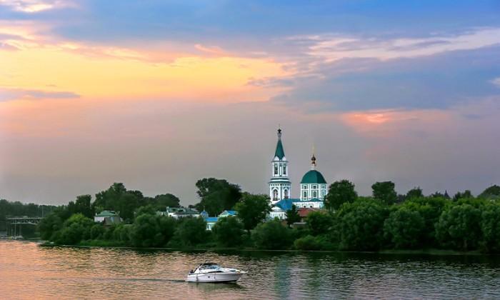 Великая русская река, принадлежащая к числу крупнейших рек земного шара и является самой большой в Европе.