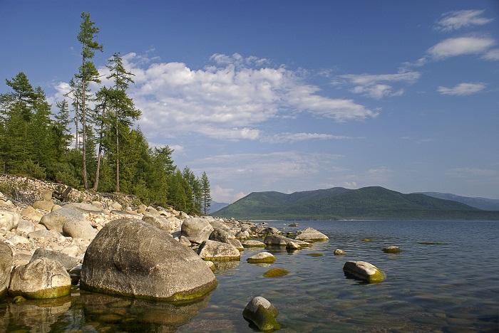 Правый и самый многоводный приток Енисея, единственная река, вытекающая из озера Байкал.