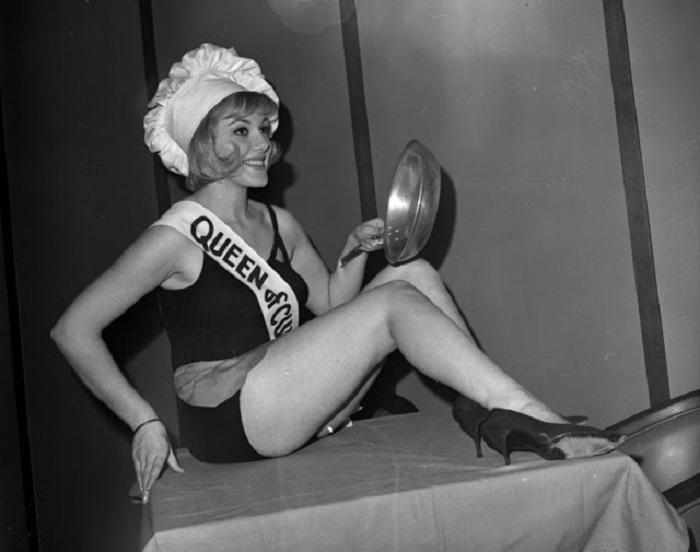 Глория Принц получила свой необычный титул за победу в конкурсе красоты, проходившем в «House of Good Taste» в Нью-Йорке.