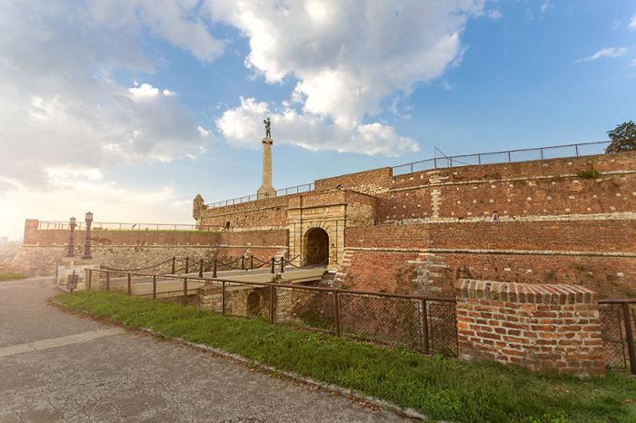 Ресторан расположившийся в стенах древней крепости.