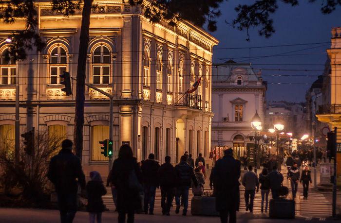 Современную публичную библиотеку Белград получил  11 января 1931 года.