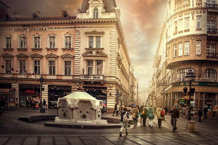 Питьевой фонтан расположен на самой знаменитой и самой загадочной улице города - Кнез Михайлова.