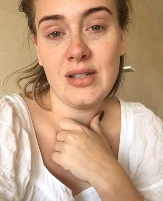 Простудившаяся британская исполнительница не побоялась разместить в социальной сети видеообращение к поклонникам, где показала себя без грамма косметики.