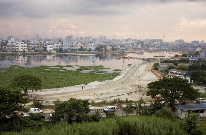 Столица государства Бангладеш занимает среди городов-рекордсменов всего лишь 20-е место – 7 миллионов человек.