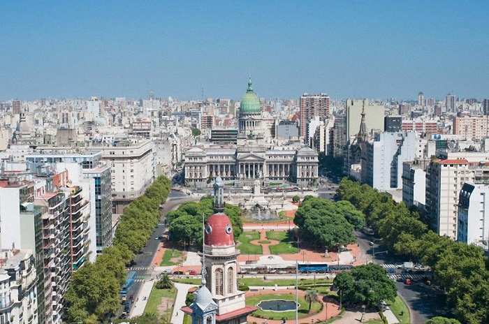 Многонациональная столица Аргентины с населением в 14,3 миллиона человек находится на 19-й позиции рейтинга.
