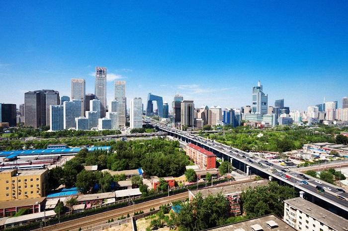На 16-й позиции расположилась столица Китая с населением в количестве 16,4 миллиона жителей.