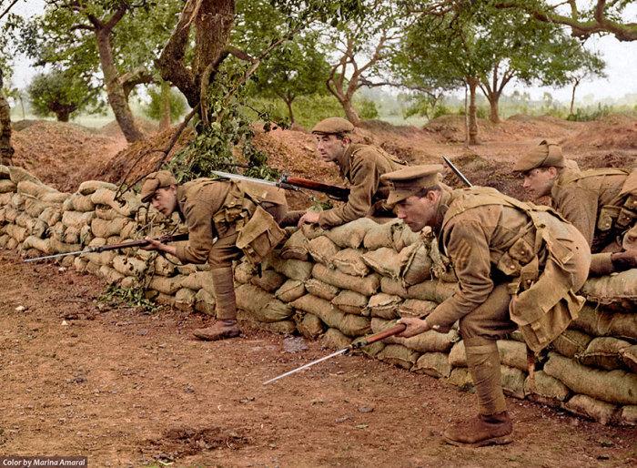 Британские солдаты.