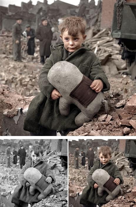 Мальчик оставшийся сиротой на развалинах своего дома, где погибли его родители после попадания немецкой ракеты Фау-2.