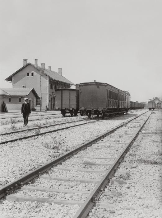Железная дорога функционировала около двадцати лет, после чего была разрушена в ходе Первой мировой войны.<br>