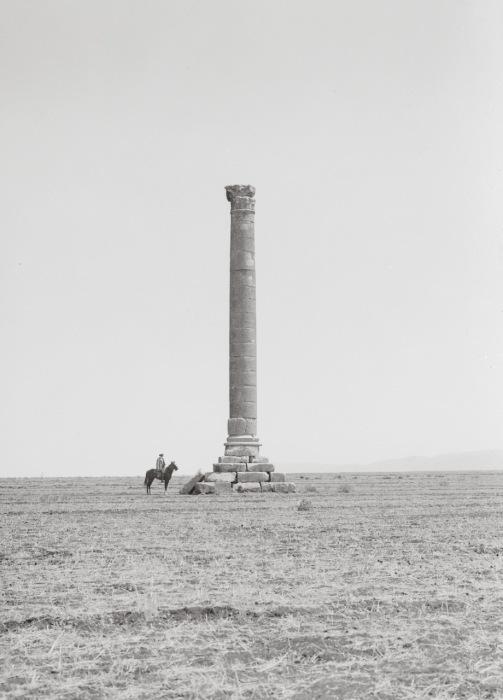 Предположительно, колонну высотой в 18 метров установили, чтобы отметить место древней великой битвы.