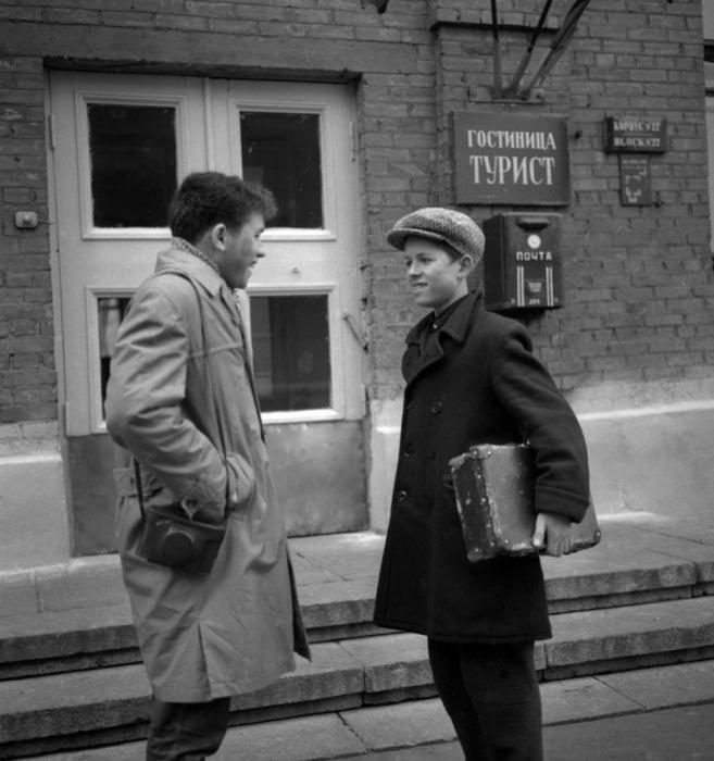 Прогулка после занятий, 1959 год.