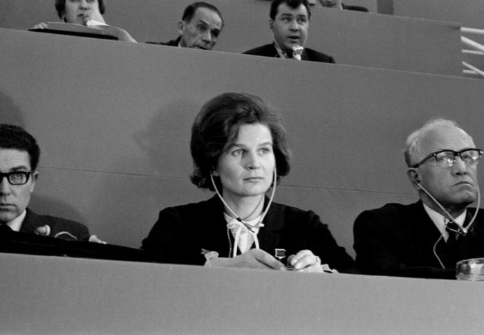 Первая женщина - космонавт, на Съезде Всеобщей Конфедерации труда, 1969 год.