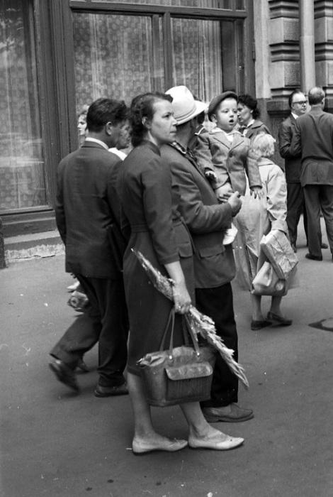 Прогулки в выходной день, 1963 год.