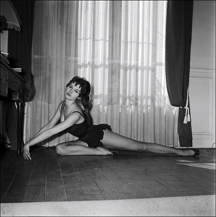 Французская актриса всегда была в хорошей форме благодаря любимым балетным танцам.