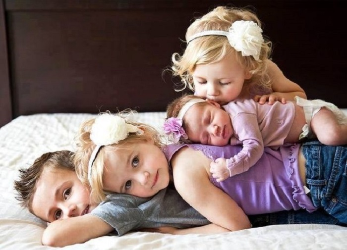Те, кому повезло получить от родителей брата, или сестру.