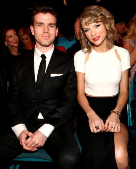 Тейлор с братом Остином Свифт.