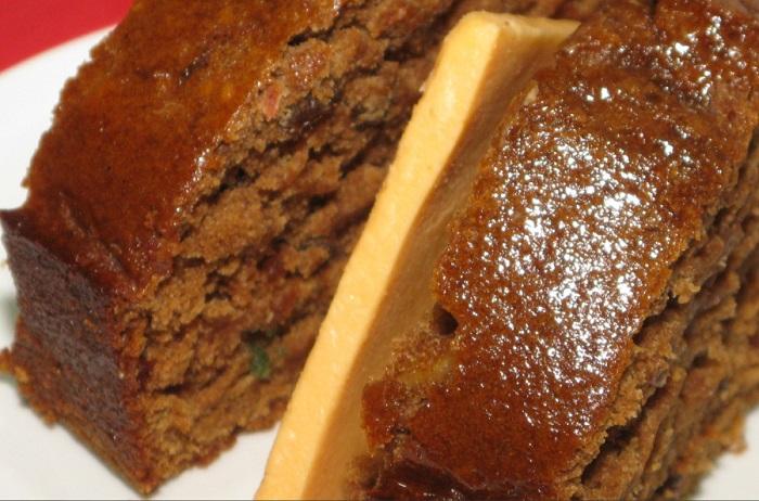 На Пасху главным блюдом становятся сдобные булочки с изображение креста, которые называются бун, и обработанный особым образом сыр чеддер.