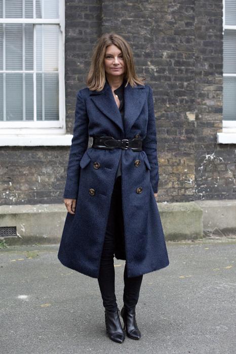 Красавица, успешная бизнеследи и одна из самых авторитетных особ в мире моды, невероятно обаятельная и стильная женщина, запустившая крупнейший интернет-магазин с дизайнерскими одеждой и аксессуарами марок класса люкс, а с 2013 года еще возглавляет British Fashion Council.