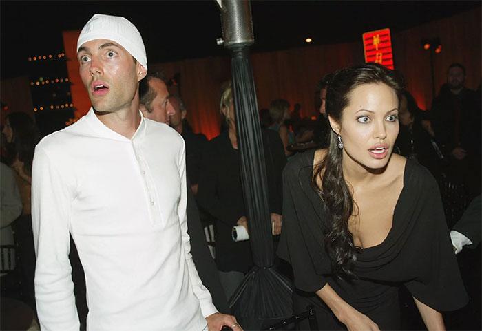 Старший брат Анджелины не только успешно снимается в фильмах, но и занимается продюсированием.