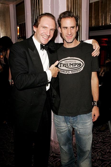 Братья являются успешными актерами, а Рэйф еще и посолом доброй воли ЮНИСЕФ.