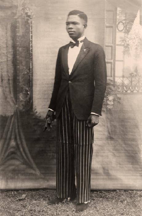 Официальный фотограф королевского двора Бенина в Нигерии.
