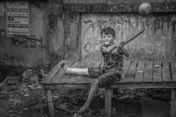 Второе место в категории «Документальная и уличная фотография». Автор фотографии: (Mei Guo) Меи Гуо. Китай.