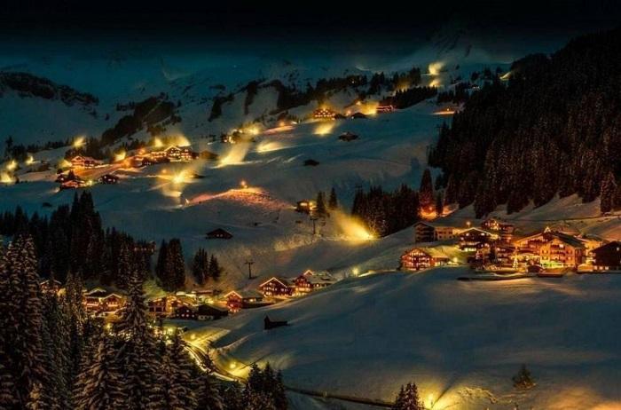Дамюльс является одним из самых красивых зимних курортов в Альпах.