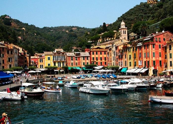 Портофино располагается на территории Национального Парка (Parco Naturale Regionale di Portofino), который считается самой защищенной зоной на северном побережье в западной части Средиземного моря.