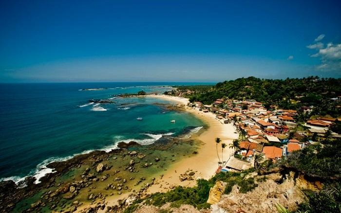 Морро-де-Сан-Паулу — одна из пяти деревень на острове Тиньяре, муниципалитет Кайру, штат Баия, Бразилия.