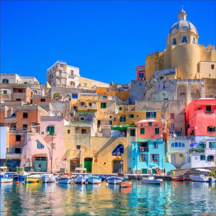 Неаполь - легенда Италии.
