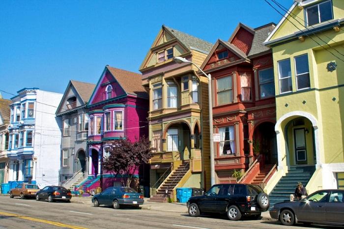 Район Сан-Франциско со старинными домами.