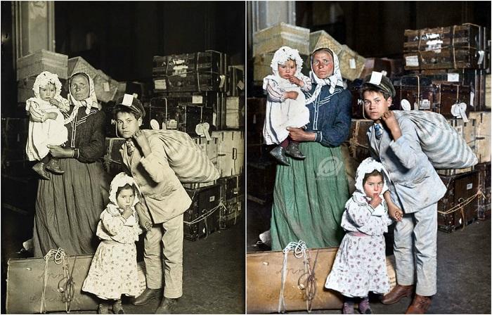 Итальянские эмигранты с вещами прибыли на остров Эллис - самый крупный пункт приема иммигрантов в США . 1905 год.